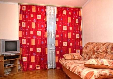 Снять квартиру в Киеве посуточно недорого 60$ или 450грн в сутки. 2-к