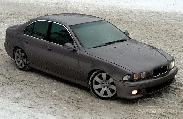 Информация о BMW 525 включают сведен…
